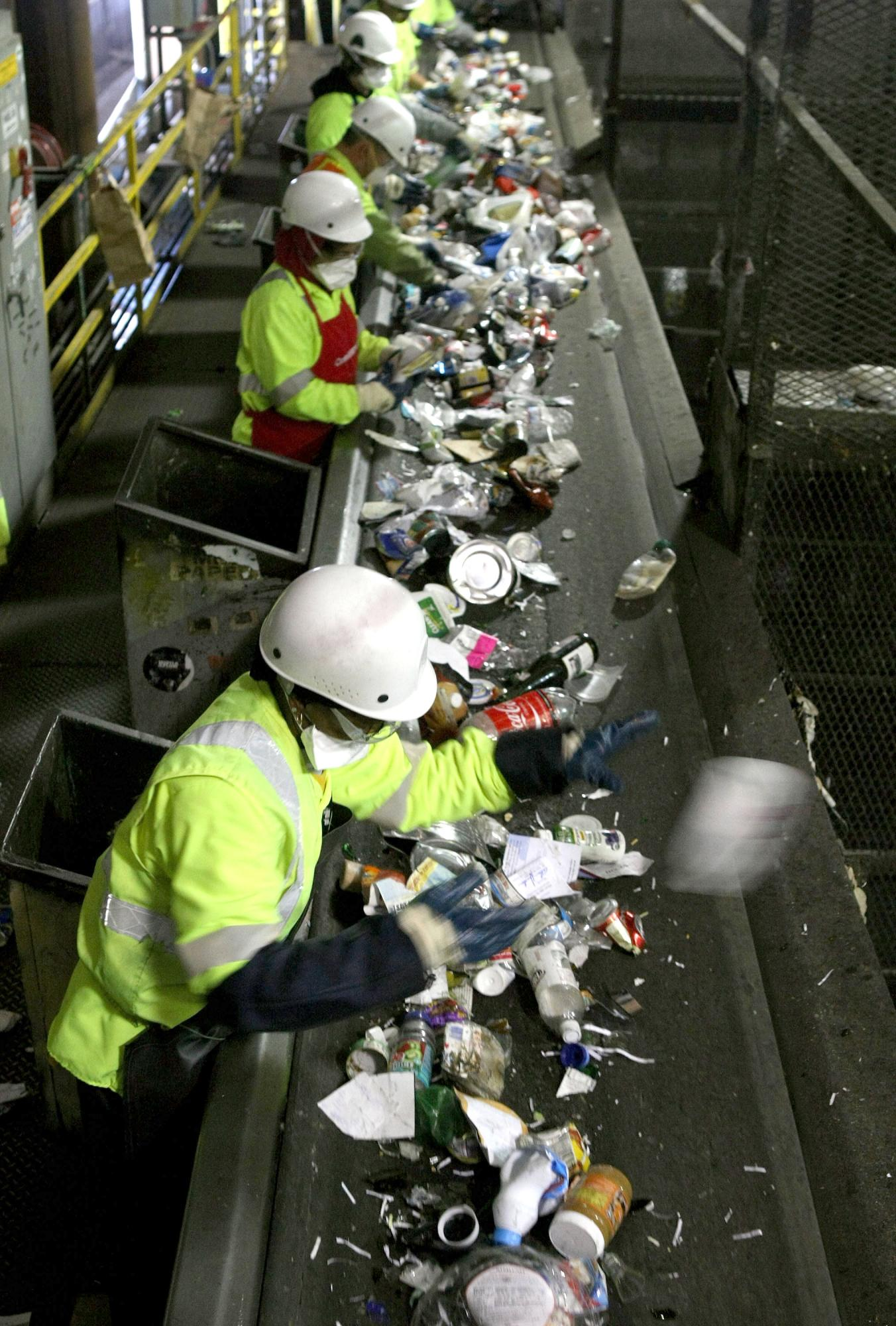 Recycling in cities